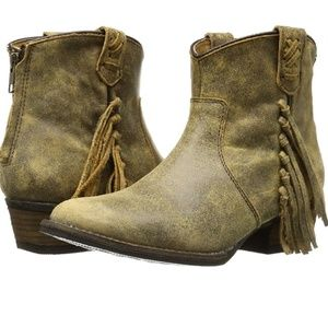 Very Volatile Vintage distressed western boots